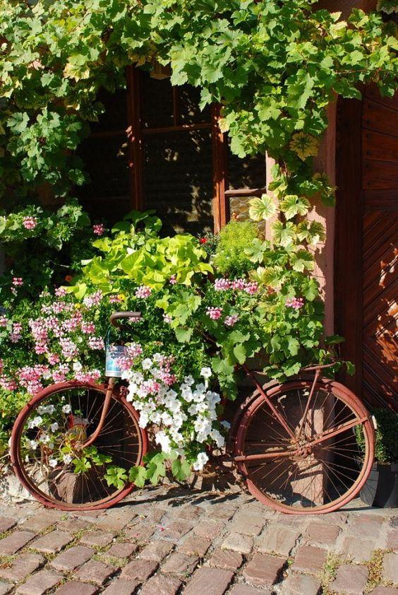 Comment Decorer Son Jardin En Recyclant Son Velo Studio